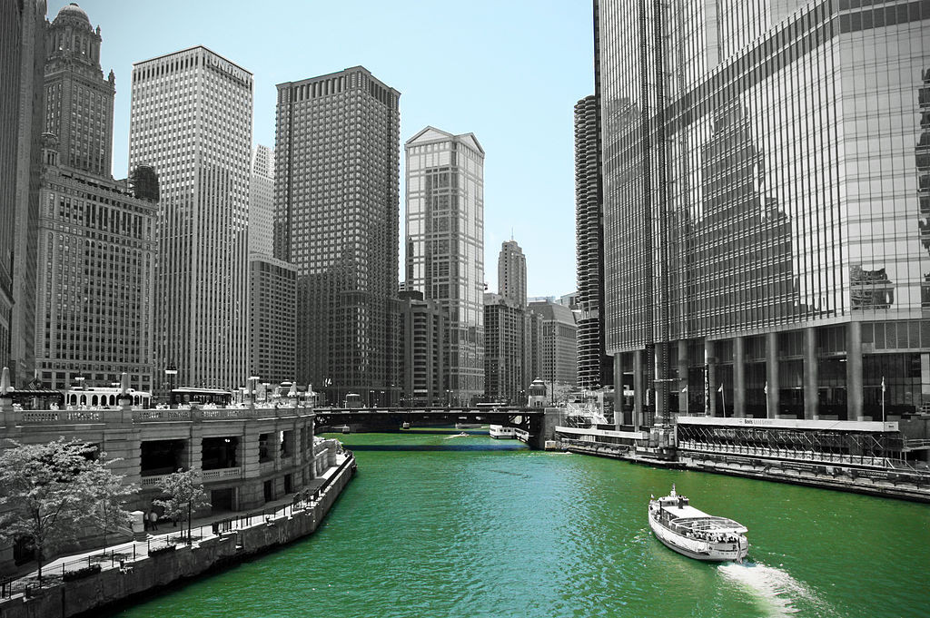 1024px-Chicago_River_(4854192144)